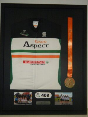 jersey with medal and photo 2